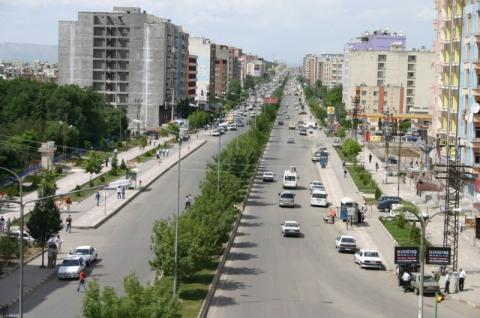 Ο κεντρικός δρόμος του... χωριού