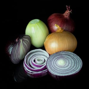 600px-Mixed_onions